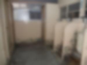 【ゲイ体験談】発展トイレで他人のトコロテンを覗き見した結果wwwwww