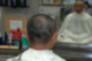【ゲイ体験談】床屋の店主が短髪髭の見覚えのある奴だった結末・・・・・・