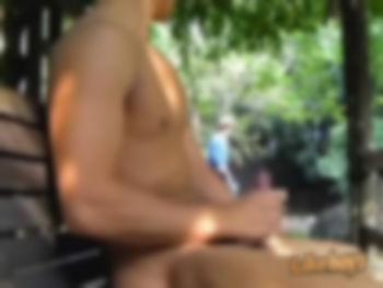 【ゲイ】淫語絶叫しながら全裸で原付きドライブするDQN学生