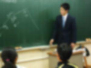 教師をオカズにオナニーする男子高校生