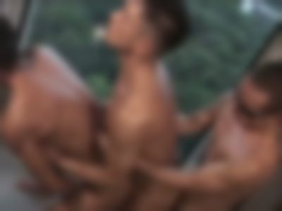 【体験談】温泉旅館で偶然会った淫乱双子と3連結生交尾